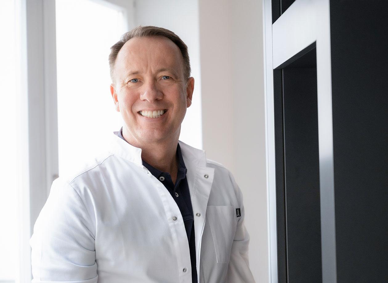 Dr. Klaus Dohle :